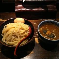 Photo taken at 三田製麺所 恵比寿南店 by kazuhiro s. on 8/24/2012