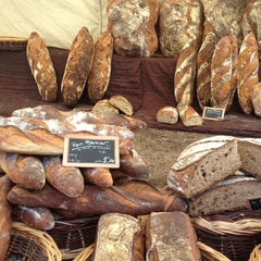 Photo taken at Marché des Chartrons by Laetitia on 8/12/2012
