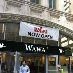 Photo taken at Wawa Food Market #86 by Ronald J. on 6/27/2012