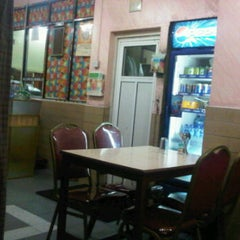 Photo taken at Karachi Restaurant by Hamad A. on 3/2/2012
