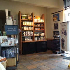 Photo taken at Starbucks by Henry C. on 6/24/2012