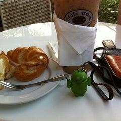 Photo taken at Caffè D´Oro (คาเฟ ดิโอโร่) by Wat A. on 2/15/2012