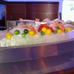Photo taken at The Oceanaire Seafood Room by Y B. on 5/13/2012