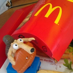 Photo taken at McDonald's by Елена Б. on 7/18/2012