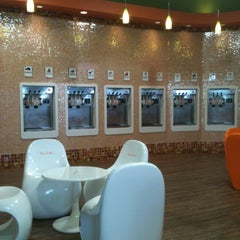 Photo taken at Orange Leaf Frozen Yogurt by Debbie L. on 3/17/2012