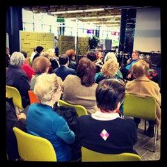 Photo taken at Entressen kirjasto by Entressen k. on 3/30/2012