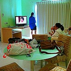 Photo taken at Best Bella Pattaya by Oumm on 4/6/2012