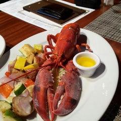 Photo taken at McCormick & Schmick's Seafood by Fernando M. on 6/17/2012