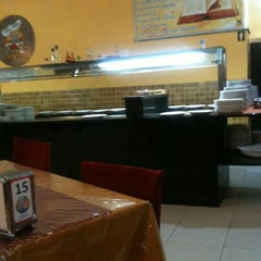 Photo taken at Pizzaria Polonesa by Leandro on 8/3/2012