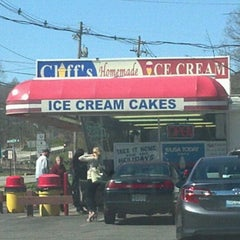 Photo taken at Cliff's Homemade Ice Cream by Bri<3 on 4/6/2012