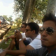 Photo taken at Toko Permata Kalimantan's by satriyo w. on 4/29/2012