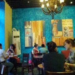 Photo taken at Starbucks by Agustin G. on 8/24/2012