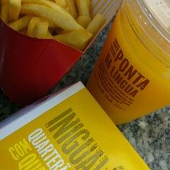 Photo taken at McDonald's by Leonnardo _. on 4/19/2012