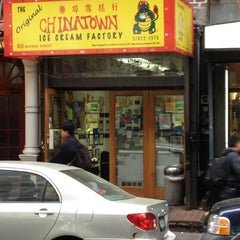 Photo taken at The Original Chinatown Ice Cream Factory 華埠雪糕行 by Johan S. on 4/18/2012