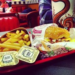 Photo taken at Burger King by Matias V. on 6/6/2012