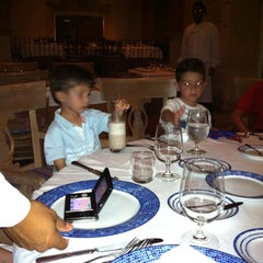 Photo taken at Restaurante Frida by Eduardo C. on 7/11/2012