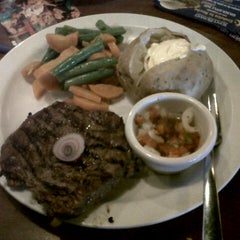 Photo taken at Tony Roma's by Veronica H. on 7/10/2012