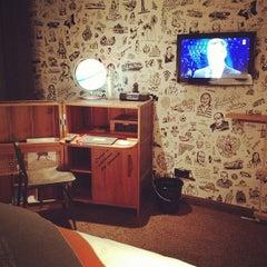 Das Foto wurde bei 25hours Hotel Hamburg HafenCity von julia f. am 2/25/2012 aufgenommen