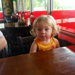 Photo taken at Graffiti Burger by Wes R. on 6/17/2012