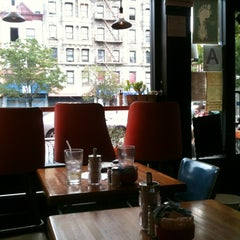 Photo taken at Il Caffe Latte by Yebyul O. on 9/3/2012