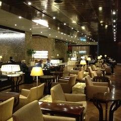 Photo taken at KrisFlyer Gold Lounge (Terminal 3) by Nick L. on 4/26/2012