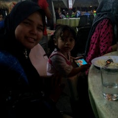 Photo taken at Restoran Nelayan by hafiz h. on 8/17/2012