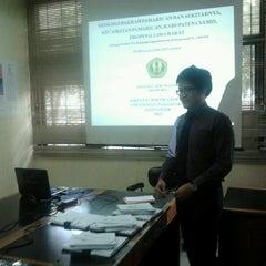 Photo taken at Fakultas Teknik Geologi by Adyatma Cakri P. on 7/9/2012