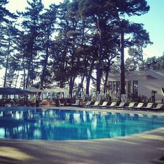 Photo taken at open air swimming pool @ Georgia Palace Hotel by Yaron K. on 4/30/2012