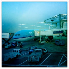 Photo taken at Gate E20 by Lye Hock C. on 9/9/2012