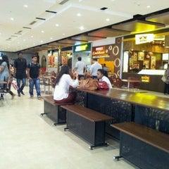 Photo taken at Foodcourt @ Phoenix Marketcity by Dusit J. on 6/28/2012