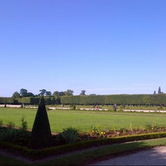 Photo taken at Domaine national de Marly-le-Roi by ELIANA on 7/17/2012