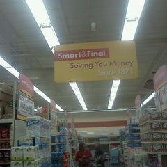 Photo taken at Smart & Final Extra! by Tamara M. on 3/11/2012