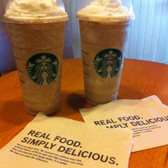 Photo taken at Starbucks by Mhee T. on 3/12/2012