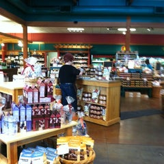 Photo taken at Harry & David Country Store by Niki N. on 5/3/2012