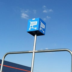 Photo taken at Walmart Supercenter by Matt W. on 2/20/2012