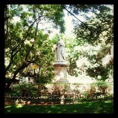 Photo taken at Mahatma Gandhi Circle (ಮಹಾತ್ಮಾ ಗಾಂಧಿ ವೃತ್) by Anurag K. on 8/24/2012