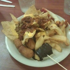 Photo taken at Golden Corral by Anthony R. on 5/10/2012