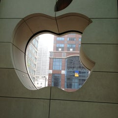 Photo taken at Apple Store, North Michigan Avenue by Maria G. on 3/25/2012