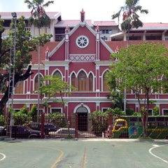 Photo taken at โรงเรียนเทพศิรินทร์ (Debsirin School) by Phupat D. on 6/9/2012