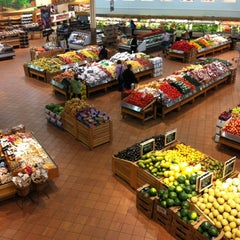 Photo taken at Loblaws by Pancho F. on 3/23/2012