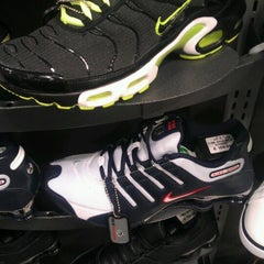 Photo taken at Foot Locker by kosmar k. on 6/16/2012