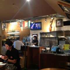 Photo taken at ハードロックカフェ 上野駅 (Hard Rock Cafe - Ueno-Eki) by Arkadiy Z. on 8/17/2012