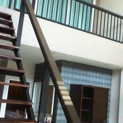 Photo taken at Tamnak Resort by พาราแรว แ. on 4/6/2012