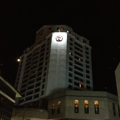 Photo taken at Thumrin Thana Hotel (โรงแรมธรรมรินทร์ธนา) by Oom Oom N. on 4/11/2012