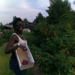 Photo taken at Indian Creek Farm by Rodro on 9/7/2012