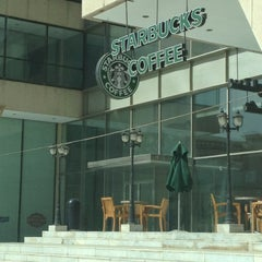 Photo taken at Starbucks | ستاربكس by Nouf A. on 6/30/2012