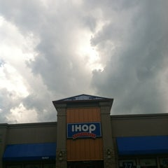 Photo taken at IHOP by Holly on 5/15/2012