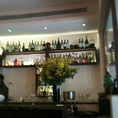 Photo taken at Bottega del Vino by Aline G. on 3/27/2012