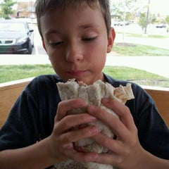 Photo taken at Chipotle Mexican Grill by Scott R. on 8/18/2012