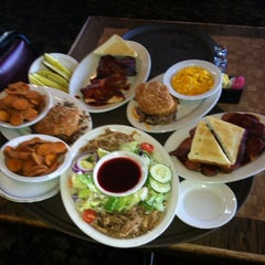 Photo taken at Hayward's Pit Bar-B-Que by Toi J. on 7/13/2012